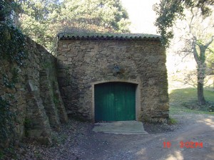 The barn soon to become Mayke's studio
